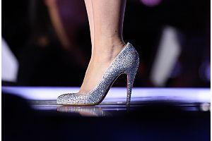 「クリスチャン・ルブタン」が女性富裕層が支持する靴ブランド1位に