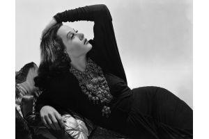 レイチェル・ワイズ「史上最高美女」に挑戦