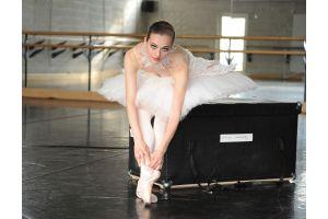 K・ラガーフェルド氏が英国国立バレエ団の衣装をデザイン