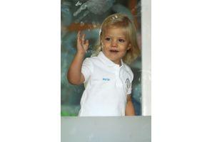スペインのソフィア王女が幼稚園に初登園