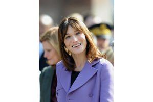 仏大統領夫人カーラさんが実家の城を25億円で売却