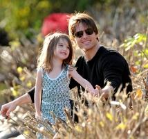 3歳の娘の服にすでに3億円使ったトム&ケイティ