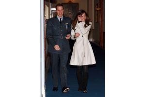 ウィリアム王子の贈り物のイヤリングを飲んだ恋人の犬