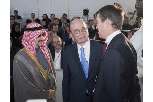 メディア王マードック氏、将来は中東が本拠地の可能性も