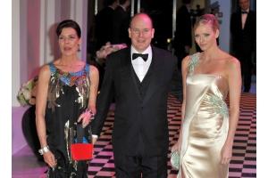 モナコで恒例「薔薇の舞踏会」開催、今年のテーマはモロッコ