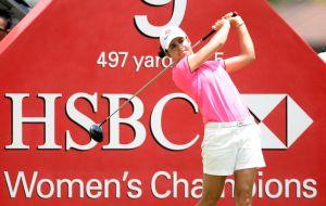 女子ゴルフ界に「寿退職」現象