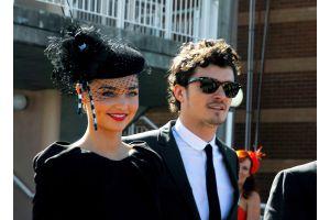 ミランダ・カーさん、O・ブルームさんが婚約を正式発表