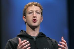 Facebook創業者が公立学校に1億ドル寄付