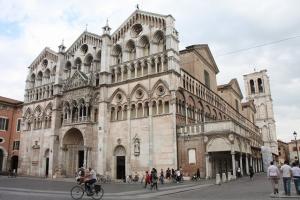 列車でイタリアの世界遺産を巡る旅【2】 フェラーラの宮廷文化