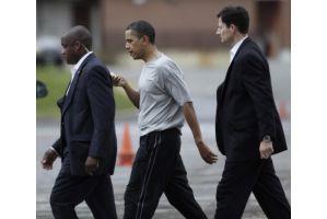 オバマ大統領がバスケで唇を12針縫うけが