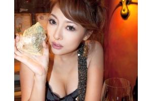 「1晩300万円でお願い」! 富裕層男性の恋愛NG行動とは?【2】