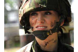 世界一美しい兵士がアフガンへ