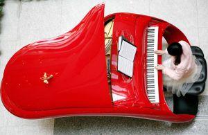 フェラーリ1台買えるロールス・ロイスのピアノ