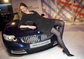 BMWが5倍の値段で売られている国