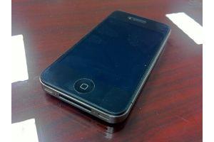 iPhone4、高度300メートルから落として無傷