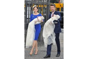 デンマーク皇太子夫妻が双子の洗礼