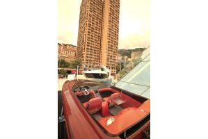 モナコに高級車、高級ヨットズラリ