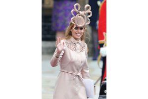 ベアトリス王女の帽子1070万円で落札