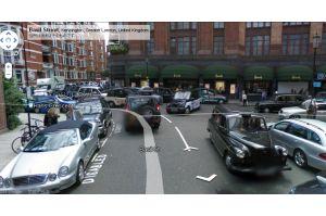 フェラーリ1台買えるほど高い料金の駐車場(英)