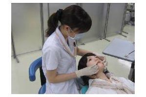 歯科患者ロボット「昭和花子2」が昭和大でデビュー