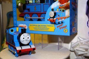 バービーが機関車トーマスを520億円で買収