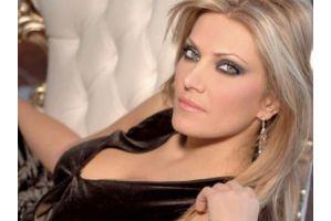 ギリシャ政治動かす32歳美人議員