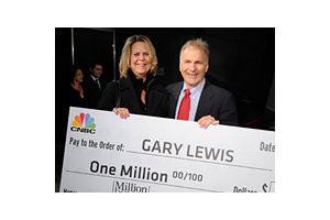 素人も勝てる100万ドル投資大会の優勝者決定