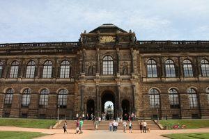 写真で届ける世界遺産(ドイツその6、かつての世界遺産ドレスデンは復興が進んでいます)