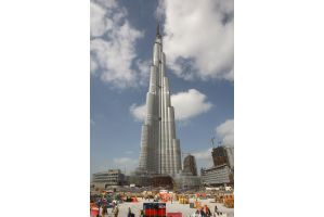 超高層ビルが建てば金融危機が起きる?