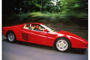 国税と警察がグル、検問でフェラーリ全部停車