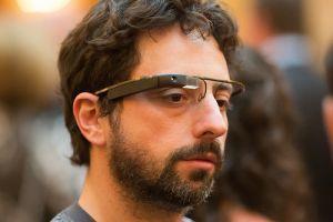 セルゲイ・ブリン氏がGoogleメガネを着用