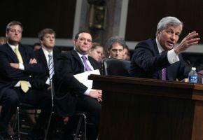 JPモルガンCEOが上院で謝罪