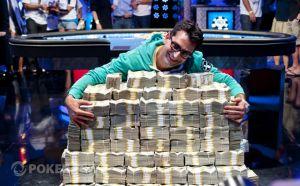 ポーカーで史上最高賞金14億円飛び出す、アインホーン氏は3位