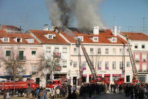 写真で届ける世界遺産(ポルトガルその5、火事に遭遇した世界遺産の街アルコバサ)