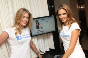 Facebook上場後の初決算は赤字