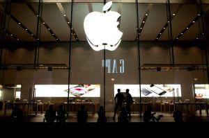 アップルイベント、失敗できない「iPhone5」