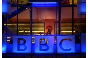 英BBC、報道部長らが誤報で辞任
