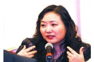 中国一の女性富豪の離婚で、トップ転落