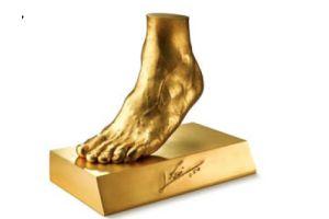 5億円のメッシ選手の黄金の左足