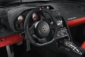 ランボルギーニ・ガヤルドLP 570-4 スクアドラ・コルセを日本初公開
