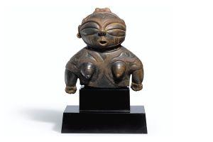 日本人著名コレクターの縄文土偶に2億円