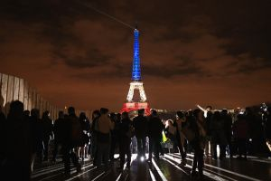 富裕層が逃げた街ランキング1位パリ7000人