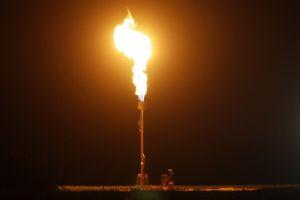 原油価格の変動に投資機会。ヘッジファンドも興味