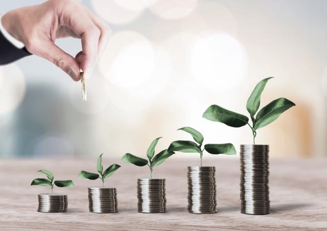 長期投資におすすめの商品7選!長期的な資産運用のメリットとデメリットは?